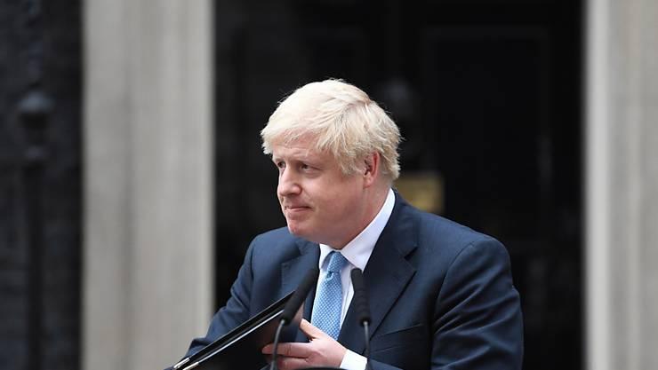 """""""Wir werden [die Europäische Union] am 31. Oktober verlassen, ohne Wenn und Aber."""" Das sagte der britische Premierminister Boris Johnson am Montagabend in einer Erklärung vor dem Regierungssitz Downing Street in London."""