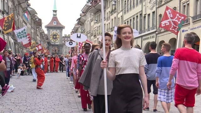 Altstadt wird zum Laufsteg