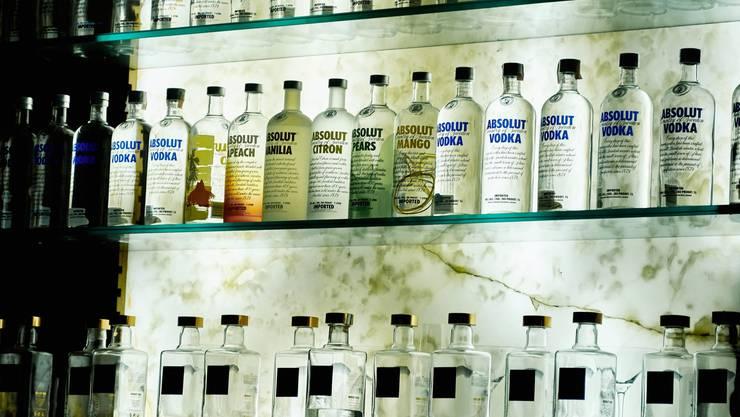 Wasser? Was ist Wasser? Russen trinken Wodka