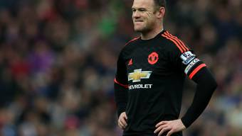 Manchester Uniteds Wayne Rooney im Pech