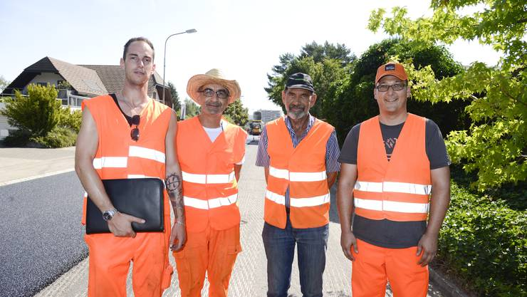 v.l. Thierry Stucki (Bauingenieur), Gerardo Capasso (Bauherr vom Kanton), Urs Niklaus (Bauunternehmer), Roman Brägger (Bauleiter)