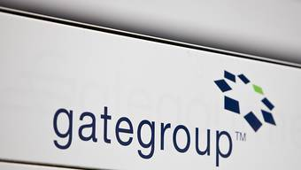 Gategroup soll vorerst doch im Besitz des chinesischen Konzerns HNA bleiben. Der für Dienstag geplante Börsengang ist abgesagt. (Archiv)
