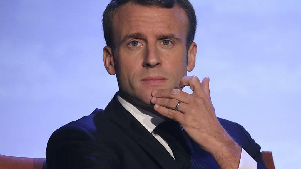 Die Unterstützung im Volk schwindet: Frankreichs Präsident Emmanuel Macron kämpft mit schlechten Umfragewerten. (Archivbild)