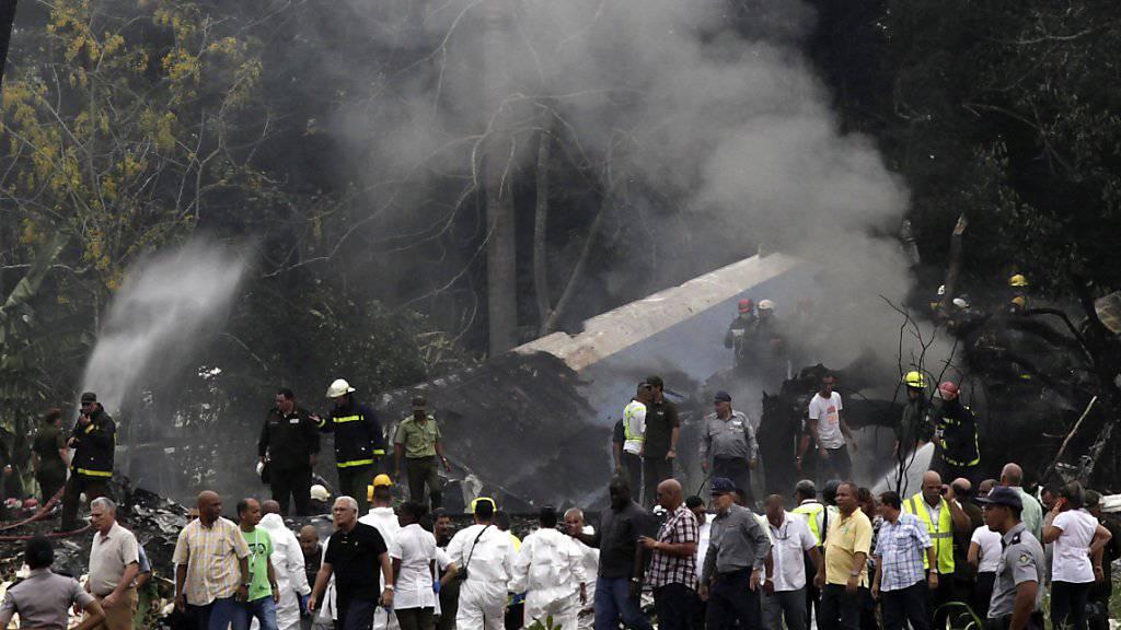 Die Maschine des Typs Boeing 737 ging beim Absturz in der Nähe des internationalen Flughafens von Havanna in Flammen auf.