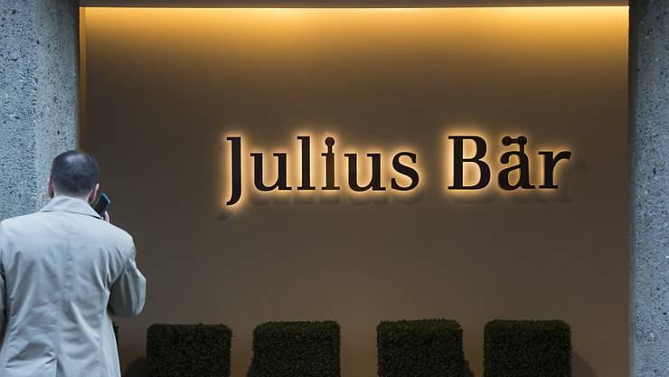 Goldiges Halbjahr: Die Bank Julius Bär hat in den ersten sechs Monaten des laufenden Jahres den Gewinn deutlich erhöhen können. (Archivbild)