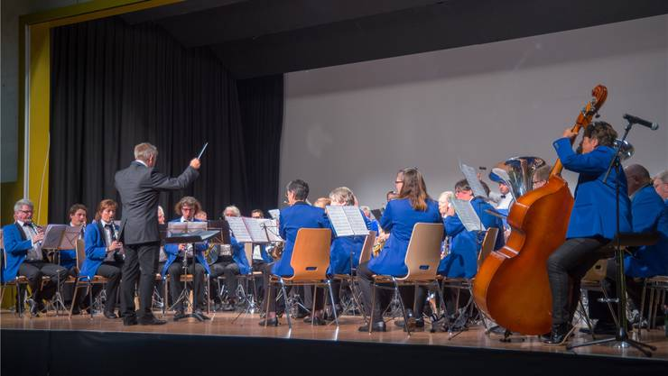 Der Musikverein Harmonie Gerlafingen dirigiert von Pascal Maillard.