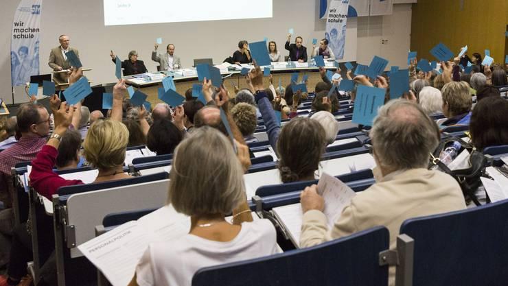 An der Delegiertenversammlung gab sich der alv kämpferisch und verabschiedet eine Resolution für die «sorgfältige Einführung des Aargauer Lehrplans».