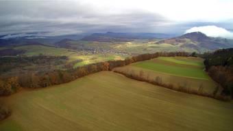 Hier ist der Windpark Burg geplant: Blick über die Burgfluh und Burgmatte auf Oberhof. Bruno Kissling