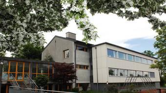 Die Gemeinde Schneisingen beabsichtigt, die Schulanlage Aemmert zu erweitern. An der Winter-Gemeindeversammlung 2012 wurde ein Baukredit von 2,3 Millionen Franken zurückgewiesen.Angelo Zambelli
