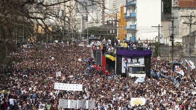 """Die Menschenmasse am """"Marsch für Jesus"""" In Sao Paulo"""