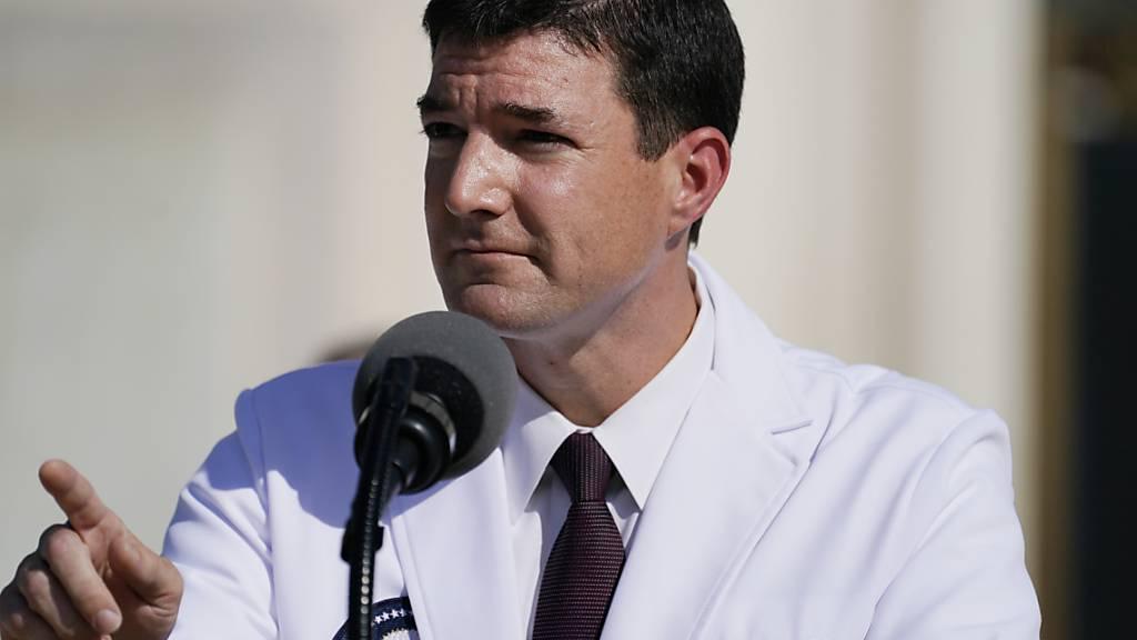 Trump kann Klinik verlassen - Arzt gibt noch keine Entwarnung