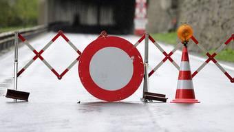 Von Mittwoch bis Montagmorgen um 5 Uhr wird auf der Aargauerstrasse ein neuer Deckbelag eingebaut. Die Strecke zwischen Oberwil-Lieli und dem Autobahnanschluss Birmensdorf wird gesperrt und der Pendlerverkehr grossräumig umgeleitet. (Symbolbild)