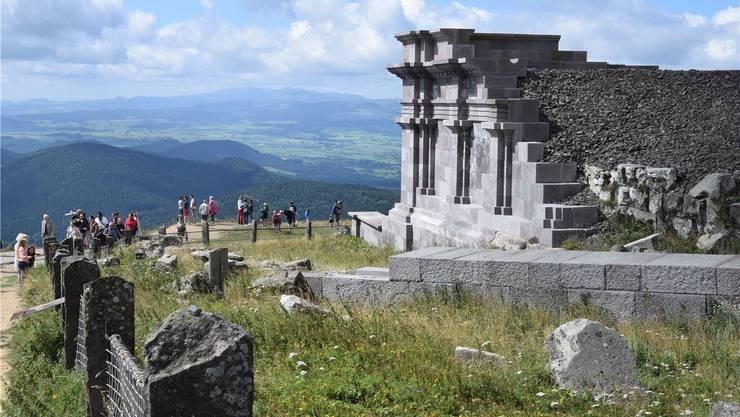 Exkursionen gehören zum dichten Programm – wie hier zum Puy de Dôme mit dem rekonstruierten Merkurtempel.