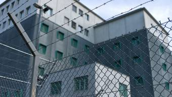 Gefängnis am Flughafen Zürich, mit der Abteilung Ausschaffungshaft