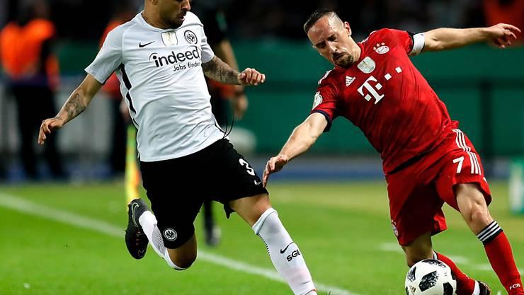 Omar Mascarell (links) spielt künftig für Schalke 04