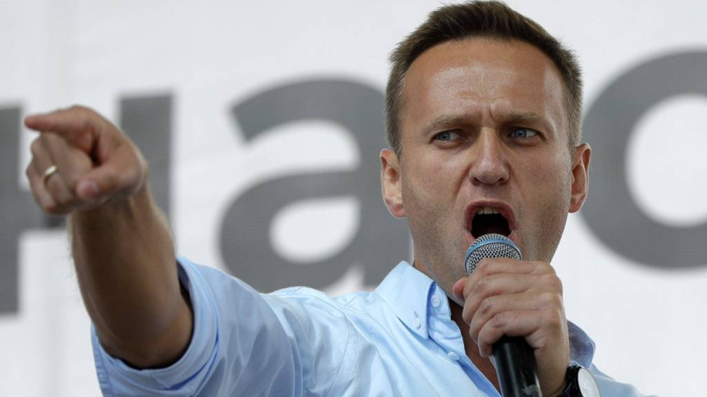 ARCHIV - Alexej Nawalny, Oppositionsführer aus Russland, spricht bei einer Protestaktion am 20.07.2019. Foto: Pavel Golovkin/AP/dpa