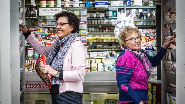 Inhaberin Lydia Bieri (l.) und ihre Arbeitskollegin Berti Luginbühl wollen, dass der Kiosk den Turgemern erhalten bleibt.