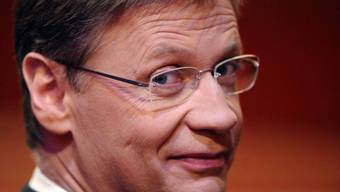 Günther Jauch hat sich als Fernsehmoderator in Deutschland längst die Nase vergoldet (Archiv)