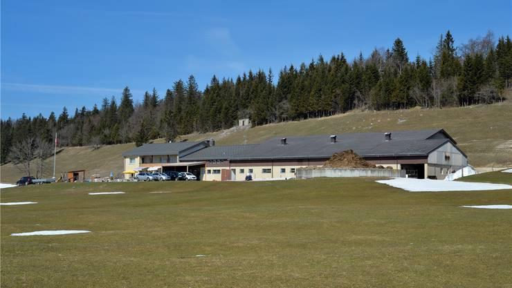 Der Landwirtschaftsbetrieb samt Berggasthof auf dem Obergrenchenberg ist zu haben.