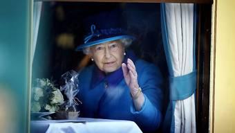 Die meisten Britinnen und Briten erlebten nur sie als Königin: Elizabeth II. ist seit über 63 Jahren Queen - keiner vor ihr sass länger auf dem britischen Thron.