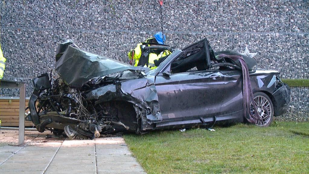 Schwerer Autounfall in Zollikon