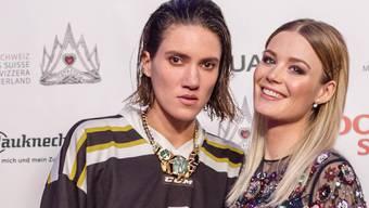 Model Tamy Glauser ist  für ihren androgynen Look bekannt. Im Bild mit Freundin Dominique Rinderknecht.