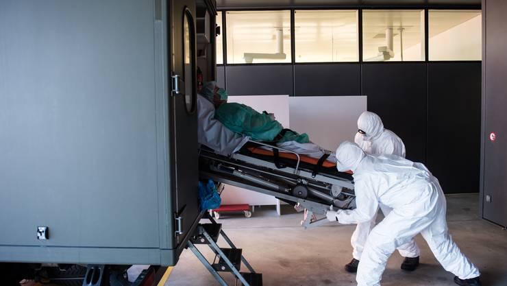 Das Coronavirus verbreitet sich in der Schweiz rasant.