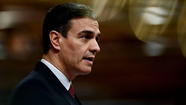 Ab Montag sollen in Spanien alle Arbeitnehmenden, die keine unbedingt notwendigen Arbeiten verrichten, zwei Wochen lang zu Hause bleiben. Das sagte Regierungschef Sánchez am Samstagabend in einer Fernsehansprache. (Archivbild)