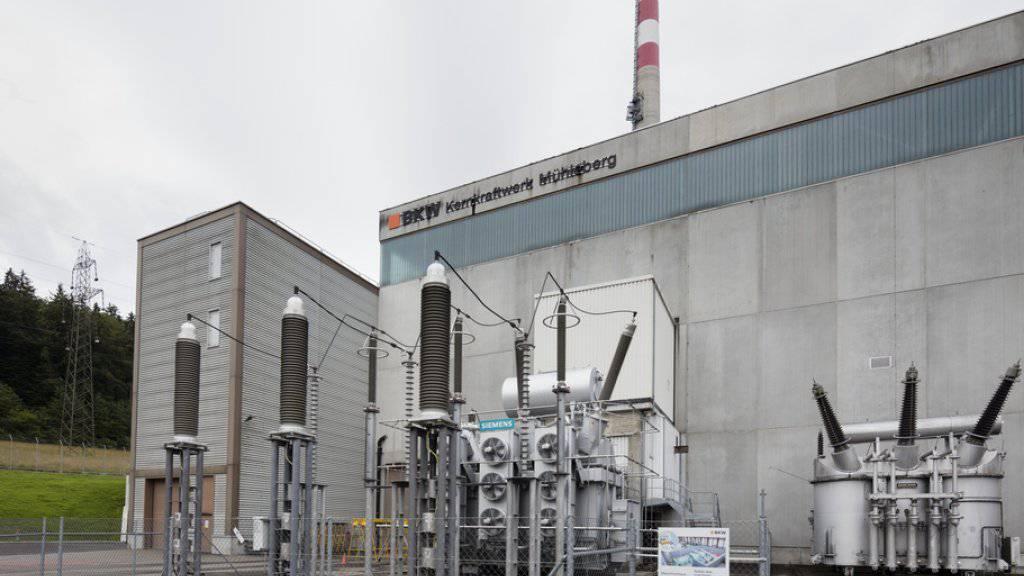 Das Atomkraftwerk im bernischen Mühleberg. Die BKW als Betreiberin muss womöglich noch einen neuen Hochwassernachweis liefern. (Archivbild)