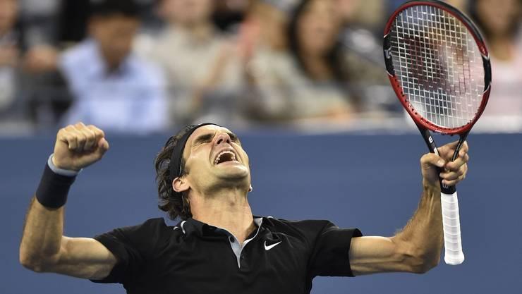 Geschafft: Nach 3:20 Stunden zieht Federer als ältester US-Open-Halbfinalist seit Andre Agassi 2005 in die Runde der letzten vier ein.