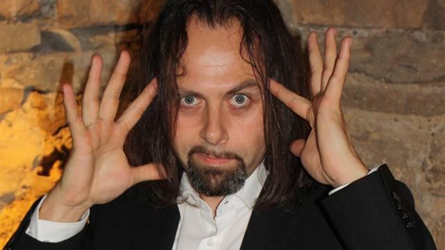 Michel Gammenthaler als Hellseher Dimitri Banocek.
