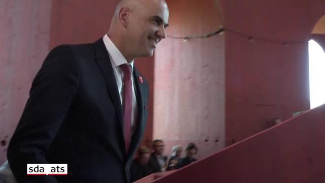 Bundesrat Alain Berset eröffnet Theaterturm auf dem Julierpass