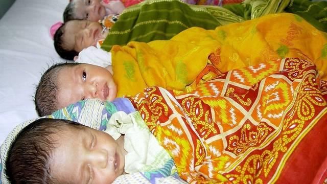 Weltbevölkerung knackt demnächst die sieben-Milliarden-Grenze (Bild: Indische Säuglingsstation)