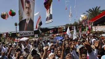 Zehntausende Mursi-Anhänger protestieren für den Ex-Präsidenten