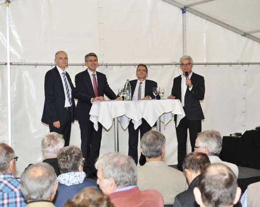 Podium zur Frankenstärke. Die Fragen von Franz Schaible beantworten Daniel Aebli, Sepp Maushart und Pirmin Bischof (v.l.)