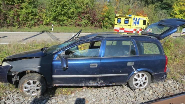 Der Fahrer musste mit der Ambulanz ins Spital gefahren werden.