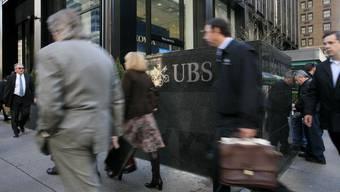 Innert 45 Tagen müssen deren Kunden ihre Bankbeziehungen zur UBS beenden.