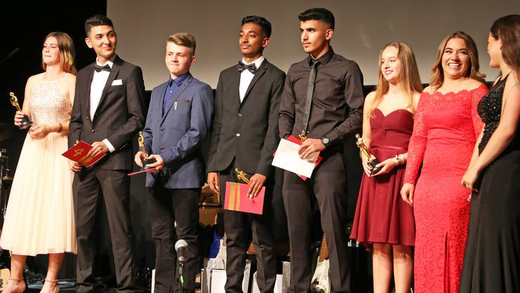 An der Oscar-Verleihung erhielten die Austretenden Preise für die wenigsten Absenzen sowie die besten Abschlusszeugnisse und Projektarbeiten.
