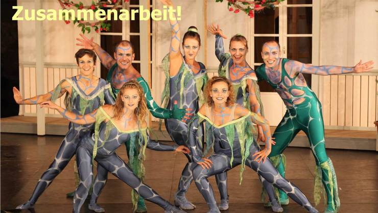 "Die Tanzgruppe der Feen aus dem Musical ""Die grüne Fee"""