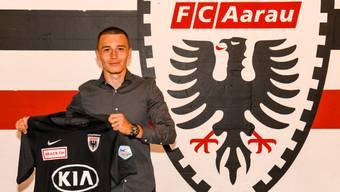 Liridon Balaj ist ab sofort ein FCA-Spieler.
