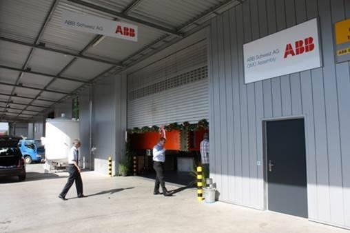 Die ABB-Fabrik befindet sich im Industriegebiet Kleindöttingen.