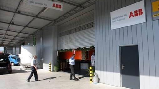 Die ABB-Fabrik im Industriegebiet Kleindöttingen.