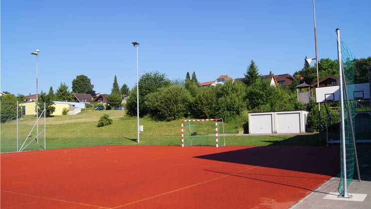 Die Einfachturnhalle könnte beim heutigen Sportplatz platziert werden.