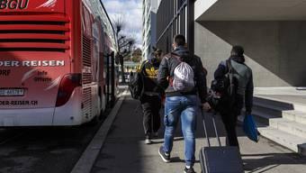Solothurner Berufsschülerfahren vom Berufbildungszentrum ins CIS-Zentrum.