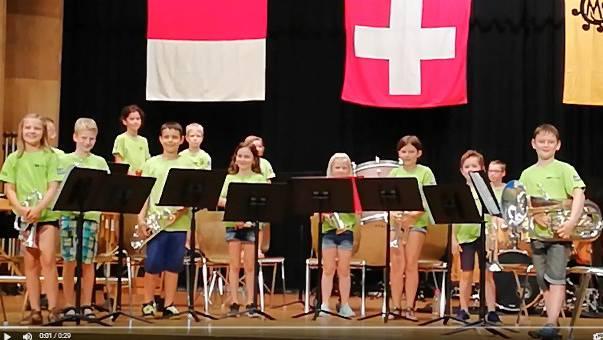 Die Brass Kids der BB Frohsinn Laupersdorf am Jugendmusiktag in Mümliswil