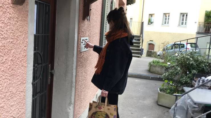 Alessia Gasparini ist bereits zum dritten Mal für «Elsa hilft» unterwegs. Die Studentin hilft in der Coronakrise gefährdeten Personen.