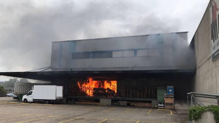 Im Geschäftsbericht speziell hervorgehoben ist der Brand mit hohem Sachschaden in einer Lagerhalle in Pratteln im August 2017.
