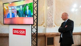 Muss SRG-Generaldirektor Roger de Weck mit einer Lohneinbusse rechnen? Die SRG meint: Nein. Peter Klaunzer/Keystone