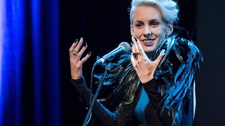 ARCHIV - Die österreichische Kabarettistin Lisa Eckhart. Foto: Daniel Karmann/dpa