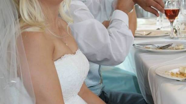 Samantha Wragg bei ihrer Hochzeit.